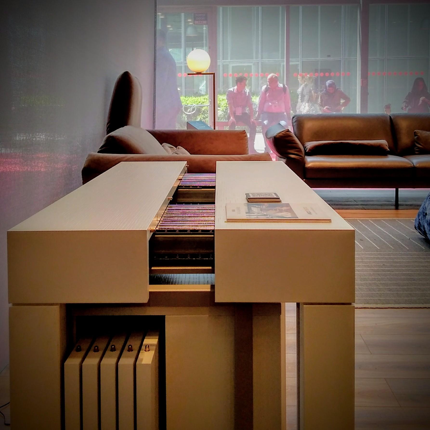 Salone di milano 2018 tavolo consolle arredo creativo for Tavolo salone